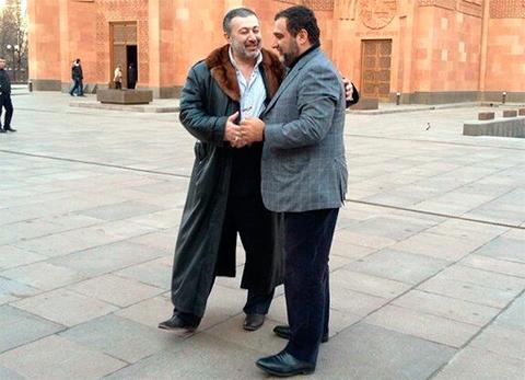Слева: Михаил Хачатурян