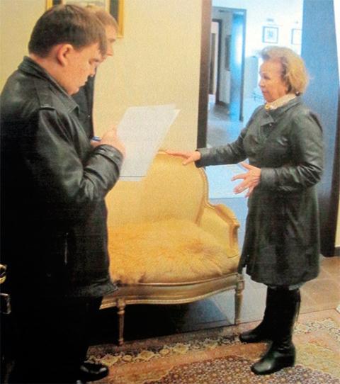 Тамара Изместьева рассказывает следователям, где давала взятку
