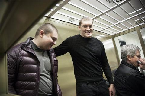 Сергей Цапок, Владимир Алексеев (Беспредел) и Николай Валерьянович (Дядя Коля) Цапок. На скамье подсудимых