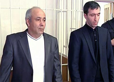 Справа: Расул Аджиев