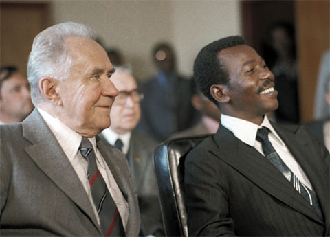 Визит Председателя Совета Министров СССР Алексея Николаевича Косыгина в Эфиопию. Слева: Алексей Косыгин и Хайле Менгисту