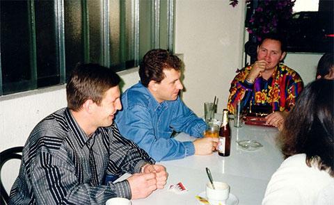 Слева лидеры ореховско-медведковских: Сергей Буторин (Ося), Олег Пылев (Генерал) и Григорий Гусятинский (Гриня)