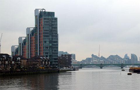 Жилой комплекс Montevetro на южном берегу реки Темзы